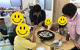 【じゅぴたぁ】餃子の皮でピザ作り!